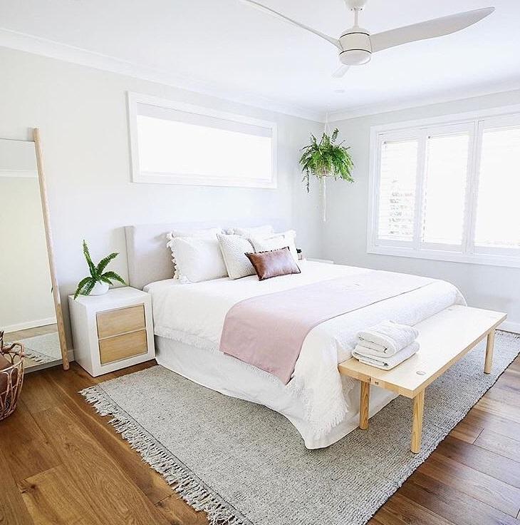 dormitorio sin cortinas